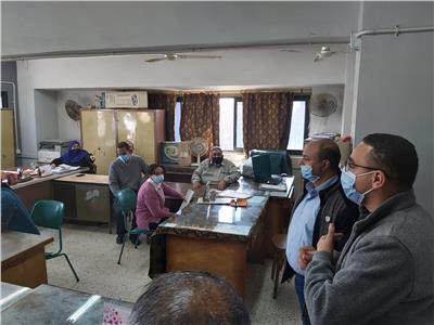 لجنة متابعة تطبيق الإجراءات الاحترازية تتفقد مديريتي التضامن والتربية والتعليم ببني سويف