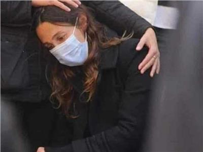 انهيار زوجة اسر ياسين في جنازة