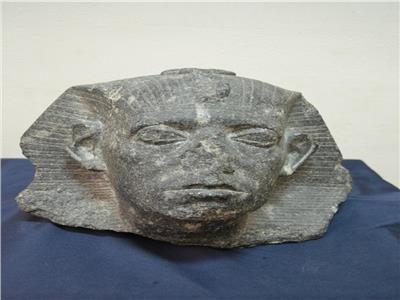 رأس الملك سنوسرت الثالث
