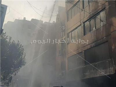 حريق نشب بعقار بسوق التوفيقية