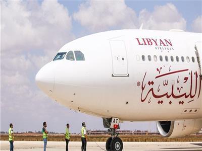 أول طائرة للخطوط الليبية في مطار القاهرة