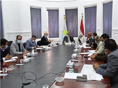 اجتماع اللجنة التنسيقية العليا لشركات مياه الشرب والصرف الصحى