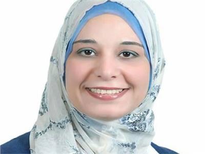 الدكتورة إلهام علي أستاذ علوم البحار بجامعة السويس