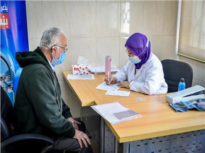 تطعيم 1141 مواطنًا من الفئات المستحقة بلقاح كورونا
