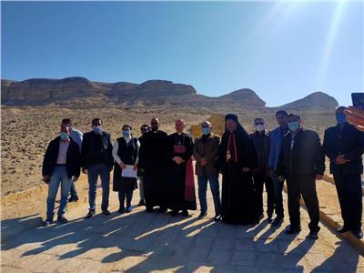 السفير الفاتيكان يزور منطقة آثار بني حسن