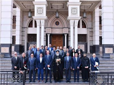 """البابا تواضروس  يستقبل رئيس """"سك العملة"""" ومستشار وزير المالية"""