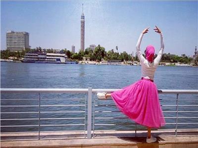 الباليرينا إنجي.. أول راقصة باليه عربية محجبة