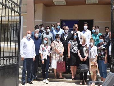 وفد طبي صربي يزور اماكن تلقي لقاح فيروس كورونا بالغردقة