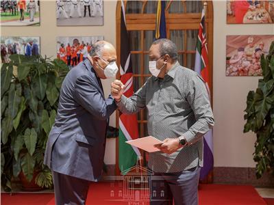 الرئيس السيسى يبعث رسالة الى نظيره الكينى
