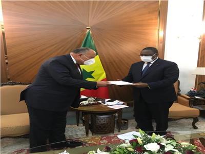 سامح شكري يسلم رسالة الرئيس السيسي لنظيره السنغالي