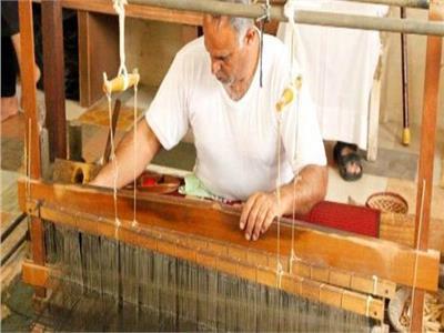 صناعة المنسوجات اليدوية