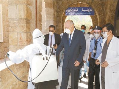 محافظ قنا يشهد تطهير مقار لجان الامتحانات