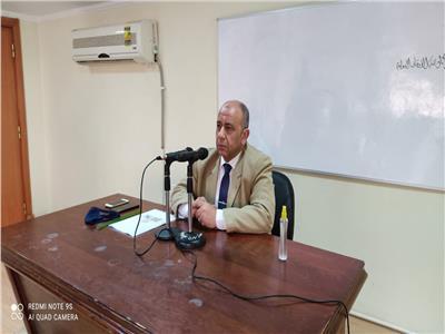 الدكتور رمضان حسان أستاذ ورئيس قسم اللغة العربية بكلية الدراسات الإسلامية جامعة الأزهر
