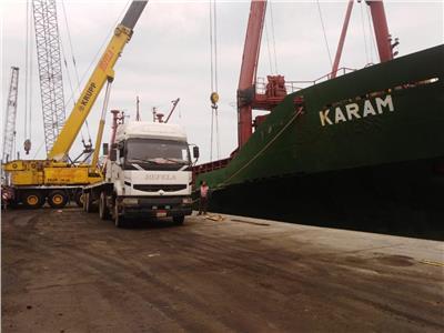 تفريغ 4200 طن رخام بميناء غرب بورسعيد