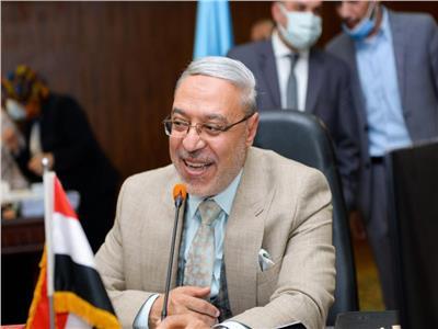 الدكتور محمود ذكى رئيس الجامعة