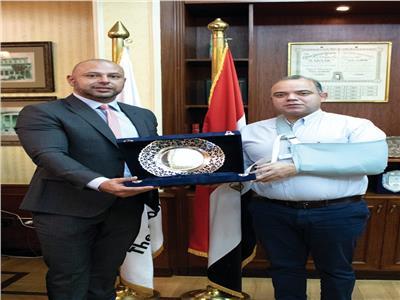 خلال تكرم رئيس البورصة المصرية