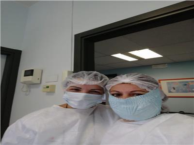 أطباء وممرضات مصريين يواجهون كورونا في مستشفيات أوروبا