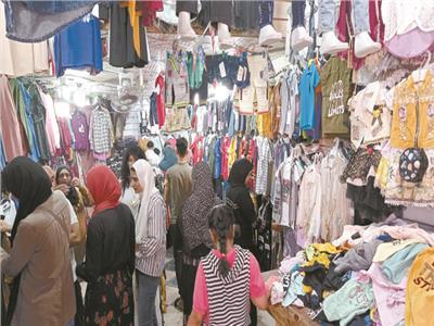 زحام على شراء ملابس العيد
