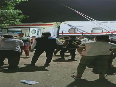 خروج قطار القاهرة اسوان عن قطبان السكة الحديد بالعياط