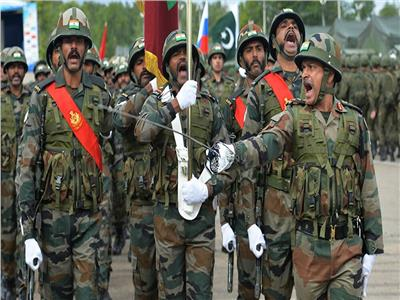 الهند تستعين بقواتها المسلحة لمواجهة كورونا