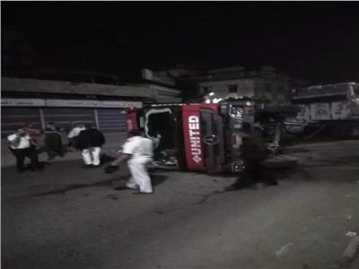 اصابة سائق في انقلاب سيارة نقل بطريق المحلة طنطا