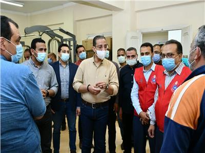 الأنصاري يتفقد أعمال مبادرة محافظة الفيوم لتسجيل المواطنين للحصول على لقاح كورونا