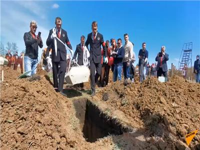 بطولة سرعة حفر القبور