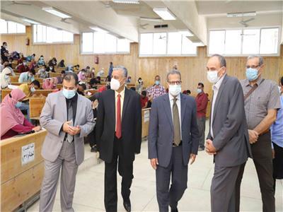 الدكتور يوسف غرباوي رئيس جامعة جنوب الوادي