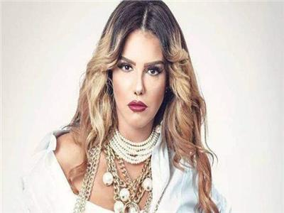 دنيا عبدالعزيز