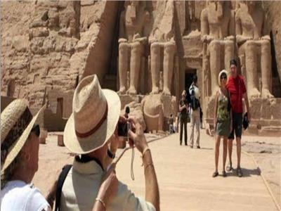 سائحون من مختلف دول العالم يروجون للمقصد السياحي المصري