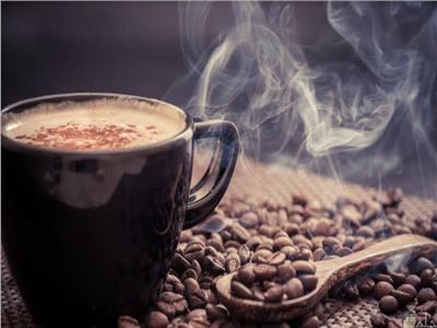 تناول القهوة ..صورة ارشيفية
