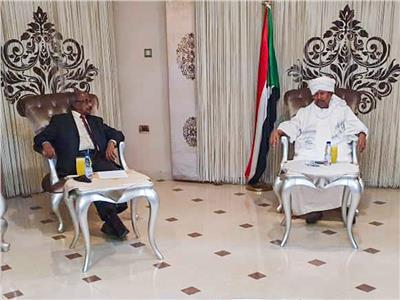 عبدالله حمدوك و مستشار رئيس إريتريا للشؤون السياسية يماني قبراب