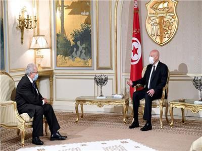 قيس سعيد ورمطان لعمامرة، وزير الشؤون الخارجية الجزائري