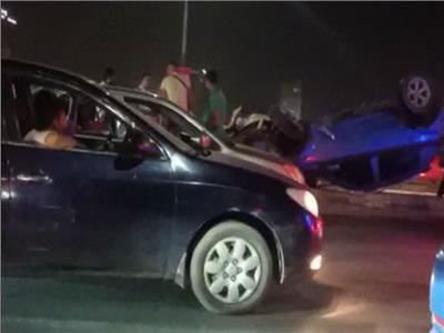 إصابة 3 أشخاص في انقلاب سيارة أعلى كوبري 6 أكتوبر