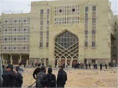 اليوم.. محاكمة 15 متهمًا بالاتجار بالبشر تحت ستار «تشغيل العمالة»