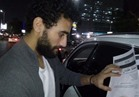 باسم مرسي يوقع استمارة «علشان تبنيها»