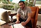 هاني سلامة يوقع استمارة حملة «علشان تبنيها» لمطالبة الرئيس السيسي بالترشح