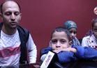 بالفيديو والصور.. أب يناشد السيسي: انقذ أطفالي الثلاثة من التليف الكبدي