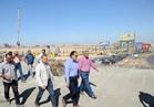 وزير الإسكان يتفقد كوبرى العبور بمدينة 6 أكتوبر ويطالب بسرعة الانتهاء منه