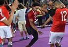 فيديو وصور  بعد التأهل لروسيا 2018.. لم تمنعه الإعاقة من الرقص فرحاً بساق واحدة