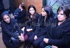 صور| فيفي عبده وكاريكا ومتقال في عزاء مدير أعمال أمينة