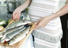 دراسة تنصح الحوامل بتناول الأسماك بخلاف الشائع