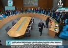 السيسي ووزير الخارجية الفرنسي يصافحان المشاركين بمنتدى شرم الشيخ