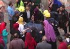 فيديو | لحظة انتشال سيدة من تحت انقاض عقار روض الفرج المنهار