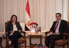 السفير السويسري يشيد بأداء غادة والي في برامج الحماية الاجتماعية