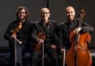مؤلفات إيطالية وموسيقى البيتلز بأسلوب ثلاثي لينون في الأوبرا