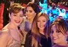 6 صور سيلفي بمهرجان دبي السينمائي.. منة شلبي بإطلالة جديدة