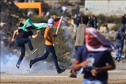 عاجل| الجيش الإسرائيلي يستخدم الرصاص المطاطي والغاز لفض مسيرة ببيت لحم