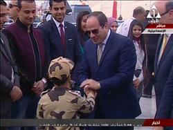 الرئيس السيسي يفتتح كوبري الشهيد البطل أحمد منسي العائم بقناة السويس