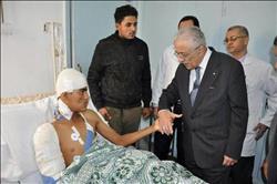 وزير التربية والتعليم يزور المصابين في حادث انقلاب أتوبيس الإسكندرية